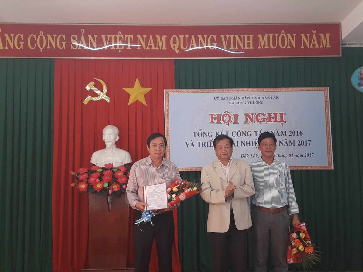 Trao quyet dinh